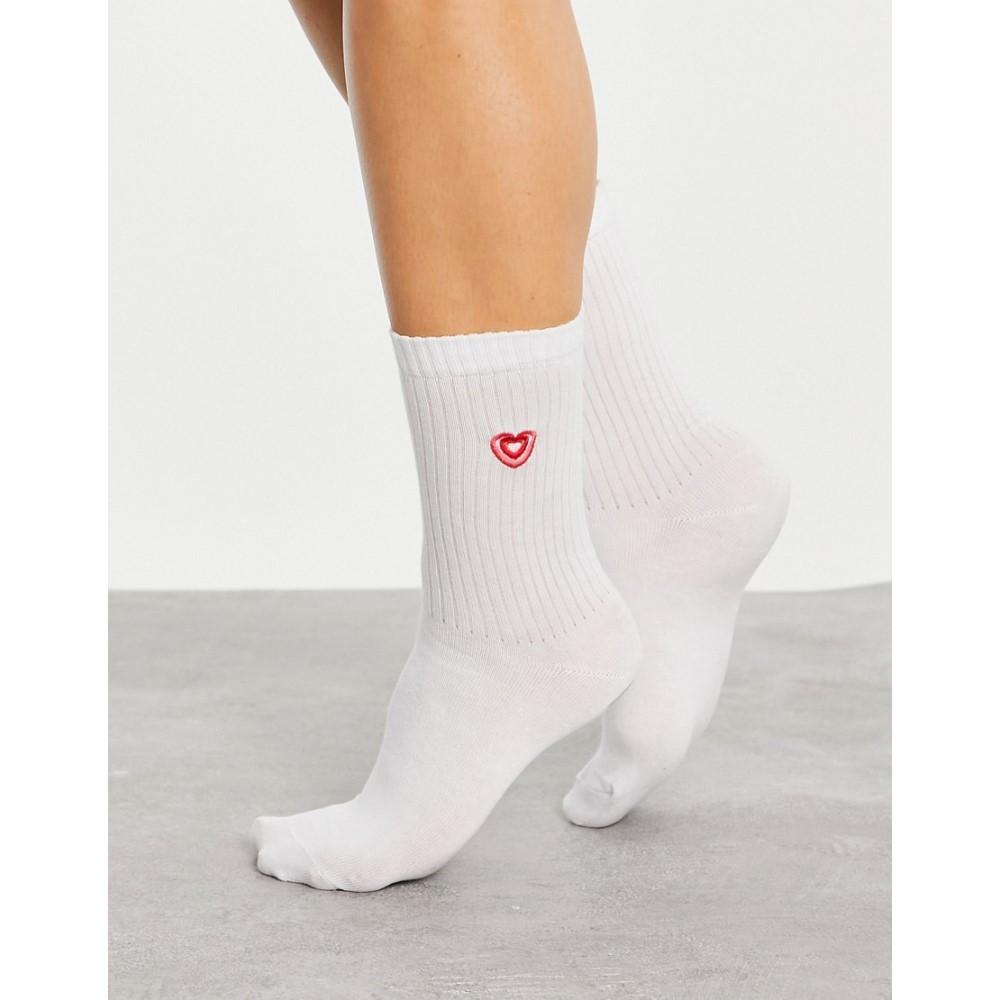 お得 エイソス レディース インナー 下着 ソックス White ASOS DESIGN Socks Length 激安挑戦中 In Heart Calf Rib Embroidered