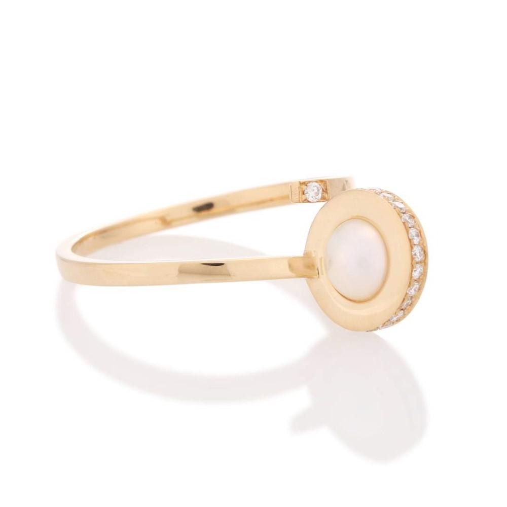 デルフィナ デレトレズ レディース ジュエリー・アクセサリー 指輪・リング【Contrarie 18kt yellow gold, pearl and diamonds ring】