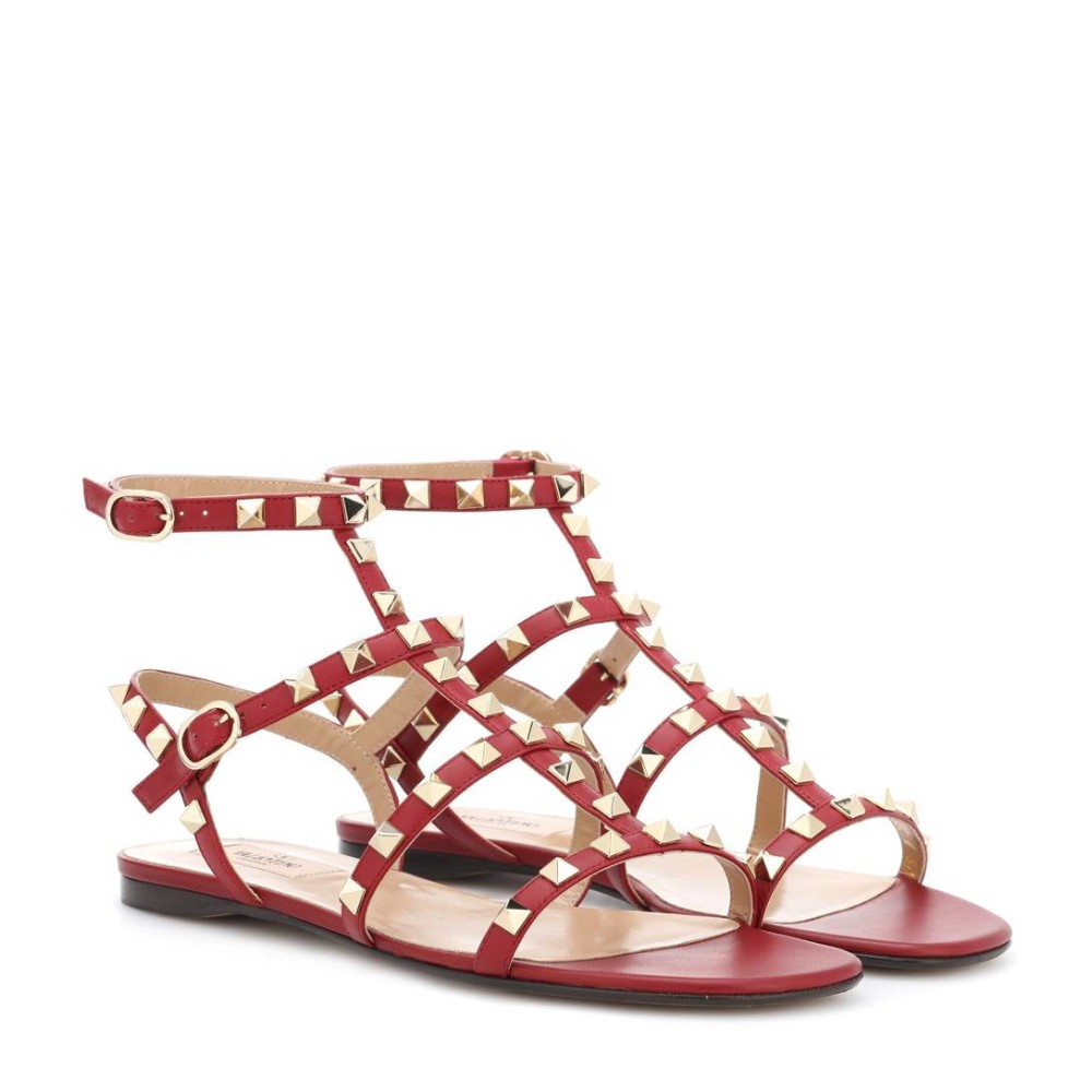 ヴァレンティノ レディース シューズ・靴 サンダル・ミュール【Valentino Garavani Rockstud leather sandals】Rubino