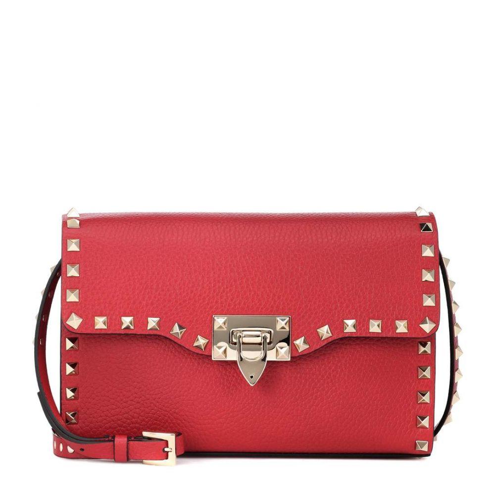ヴァレンティノ Valentino レディース バッグ ショルダーバッグ【Garavani Rockstud Medium leather shoulder bag】Red