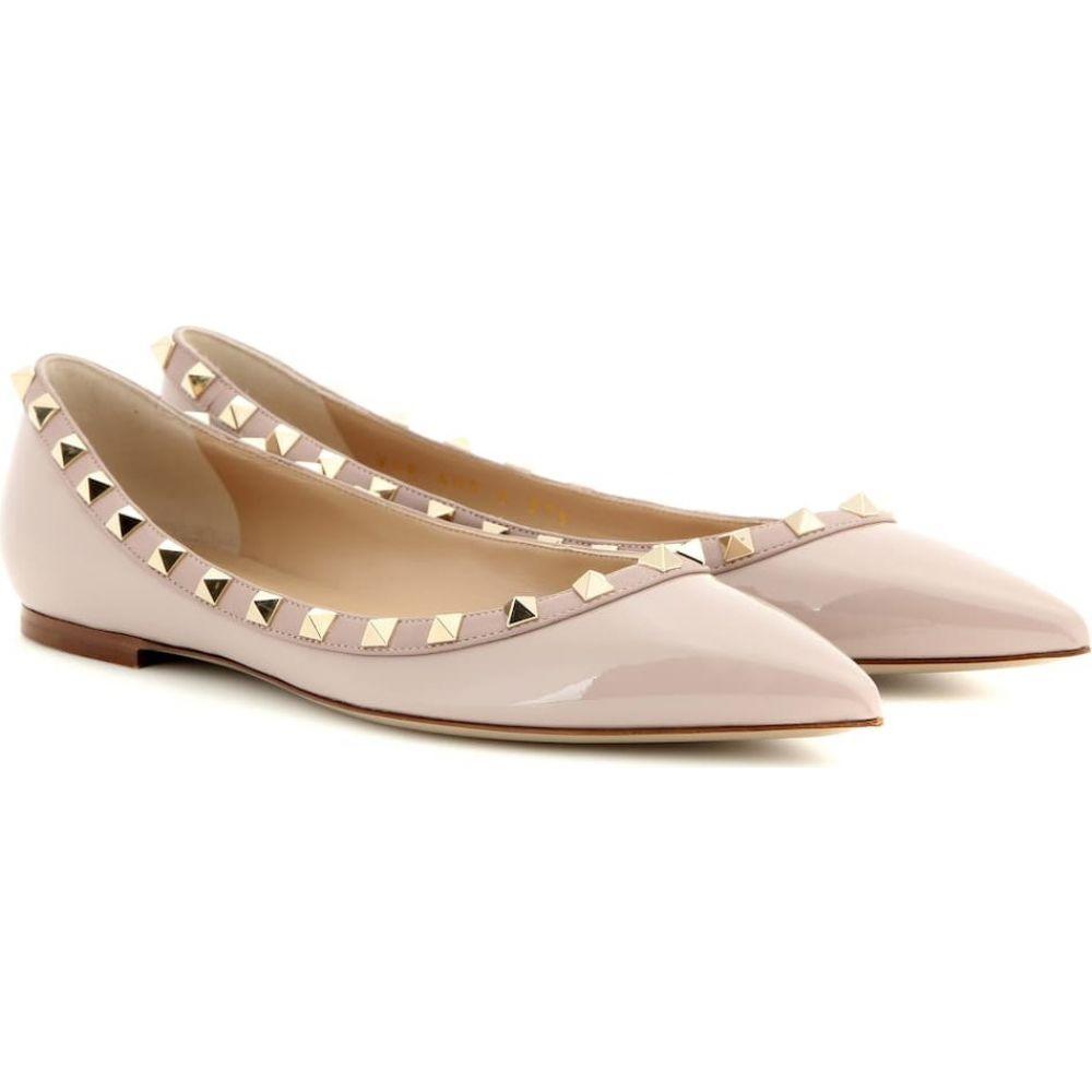 ヴァレンティノ Valentino レディース スリッポン・フラット シューズ・靴【Garavani Rockstud patent-leather ballet flats】Poudre