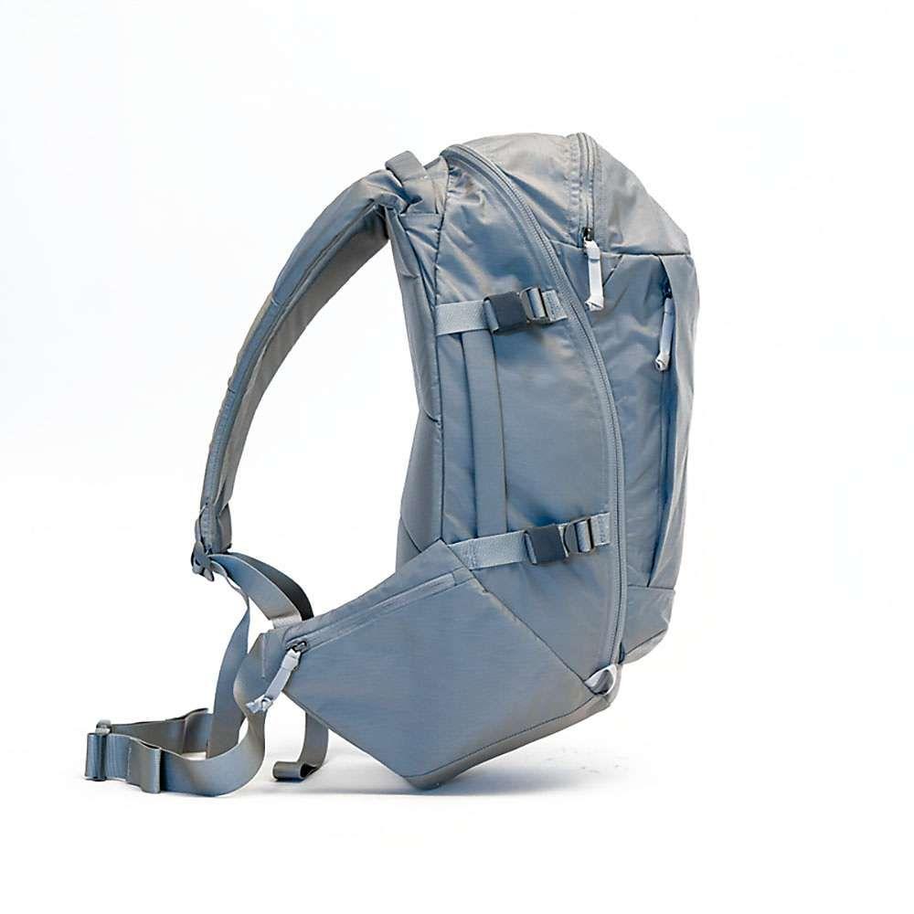 エバーグッズ Evergoods ユニセックス ハイキング・登山 バックパック・リュック【Mountain Panel Loader 30L Backpack】Standard Grey