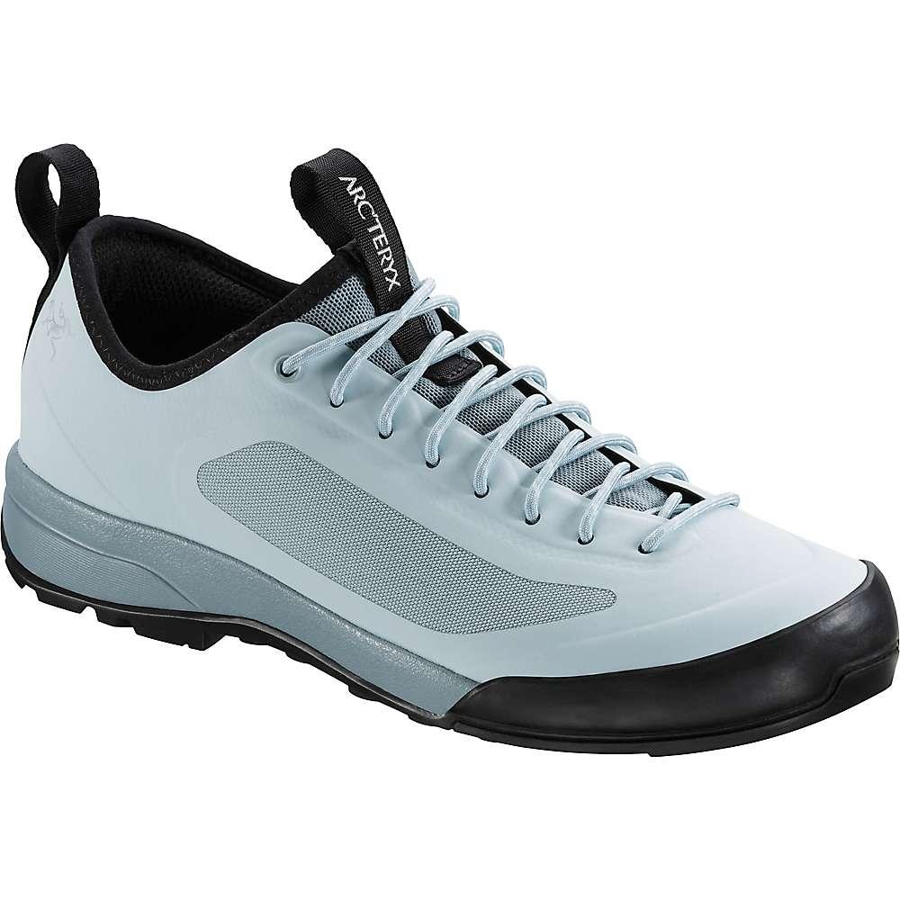 アークテリクス レディース ハイキング・登山 シューズ・靴【Acrux SL Approach Shoe】Petrikorr / Freezing Fog