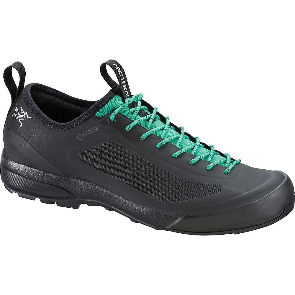 アークテリクス レディース ハイキング・登山 シューズ・靴【Acrux SL GTX Approach Shoe】Black / Patina