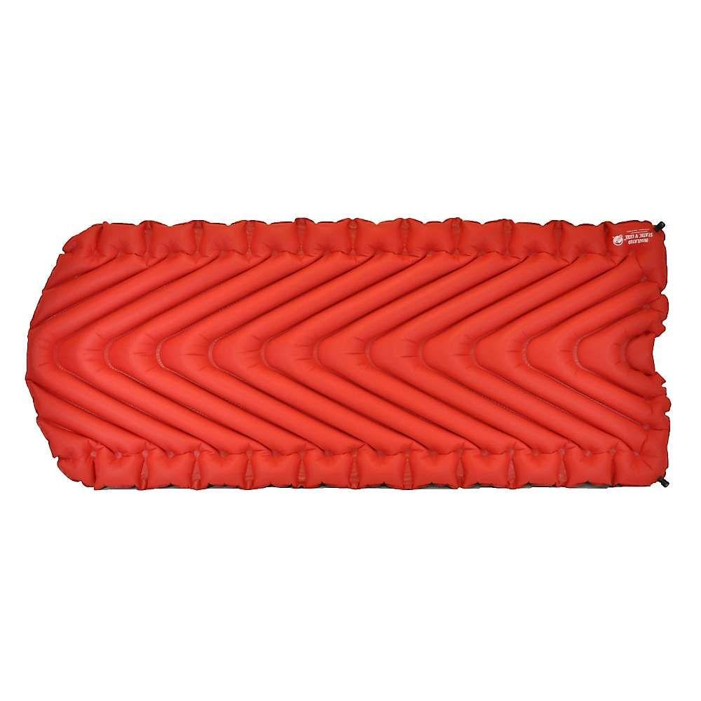 クライミット ユニセックス ハイキング・登山【Insulated Static V Luxe Sleeping Pad】Red/Char Black