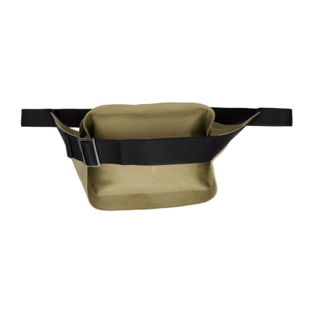 132 5. イッセイ ミヤケ 132 5. ISSEY MIYAKE メンズ ボディバッグ・ウエストポーチ バッグ【beige cinch strap bum bag】