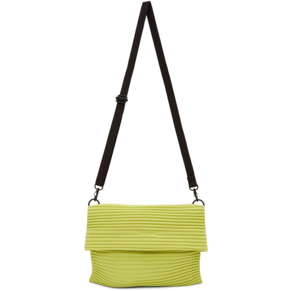イッセイ ミヤケ Homme Plisse Issey Miyake メンズ メッセンジャーバッグ バッグ【Green Pleats Flat 3 Bag】Lime green