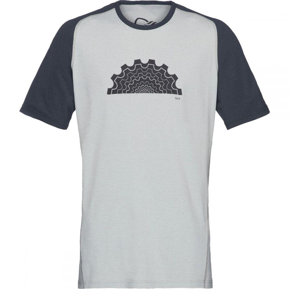 ノローナ メンズ トップス Tシャツ【Fjora Equaliser Lightweight Short - Sleeve T - Shirts】Caviar Drizzle