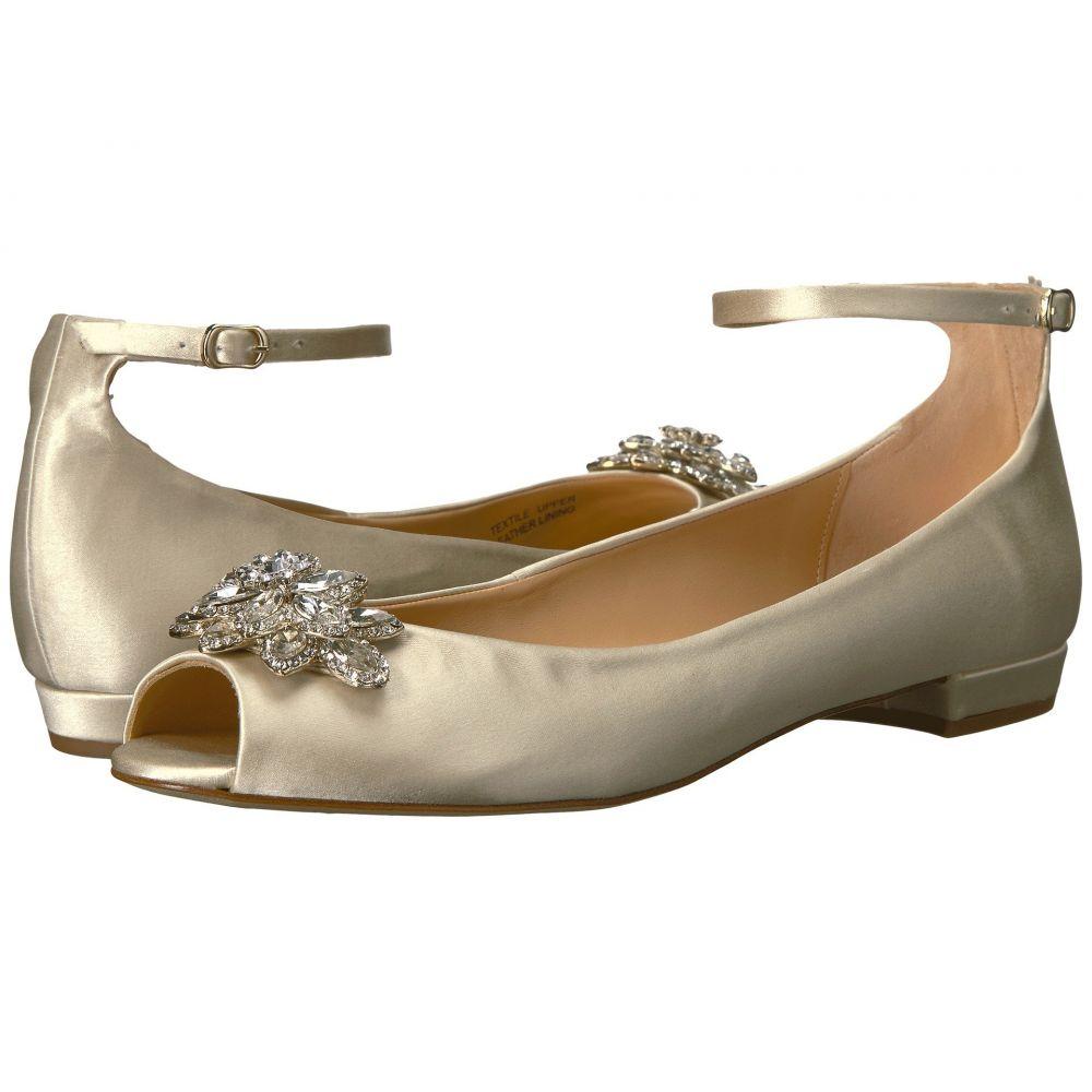 バッジェリー ミシュカ Badgley Mischka レディース スリッポン・フラット シューズ・靴【Kaidence】Ivory Satin
