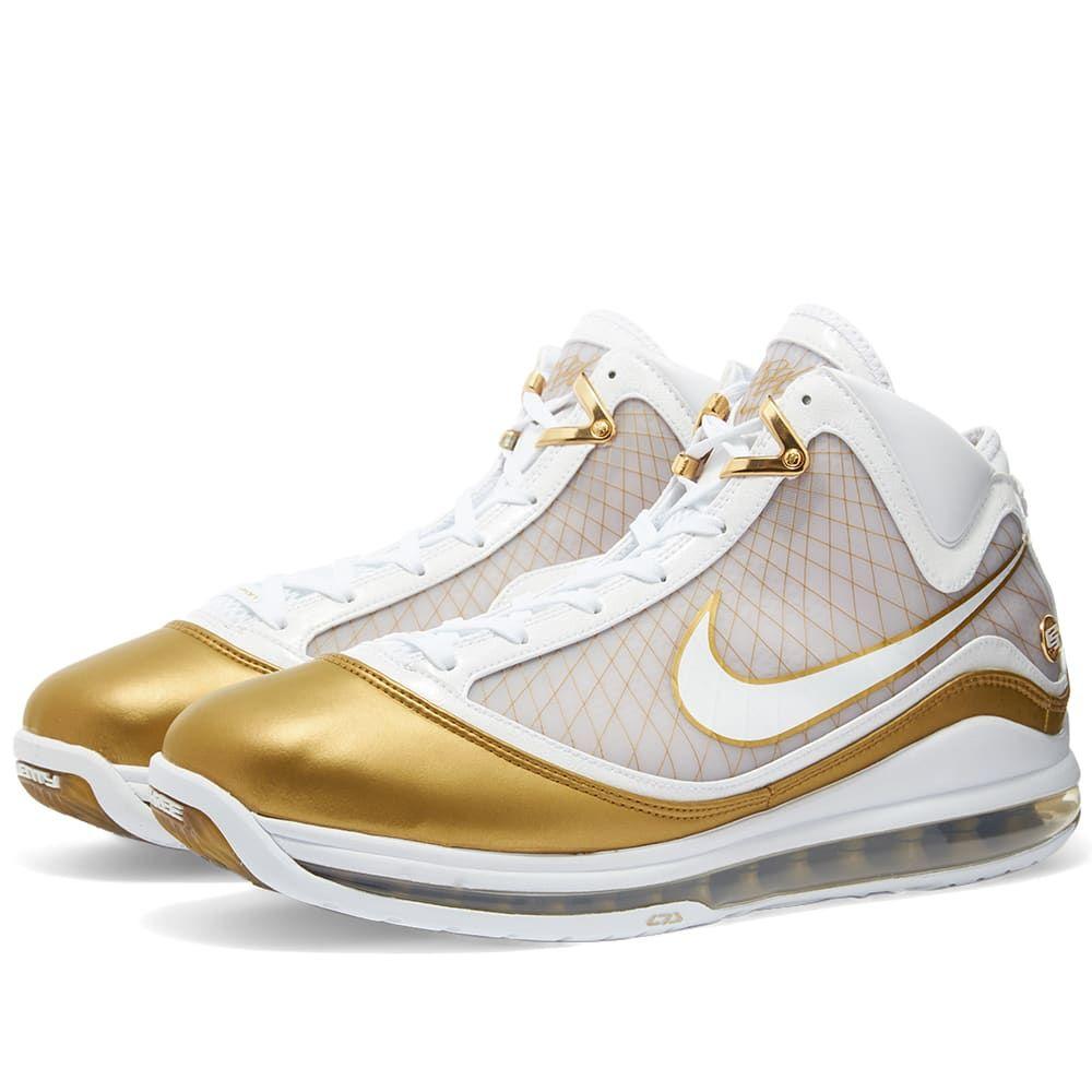 ナイキ Nike メンズ スニーカー シューズ・靴【LeBron VII QS】White/Metallic Gold