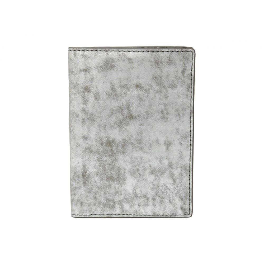 フライ Frye レディース パスポートケース【Passport Case】Silver Metallic