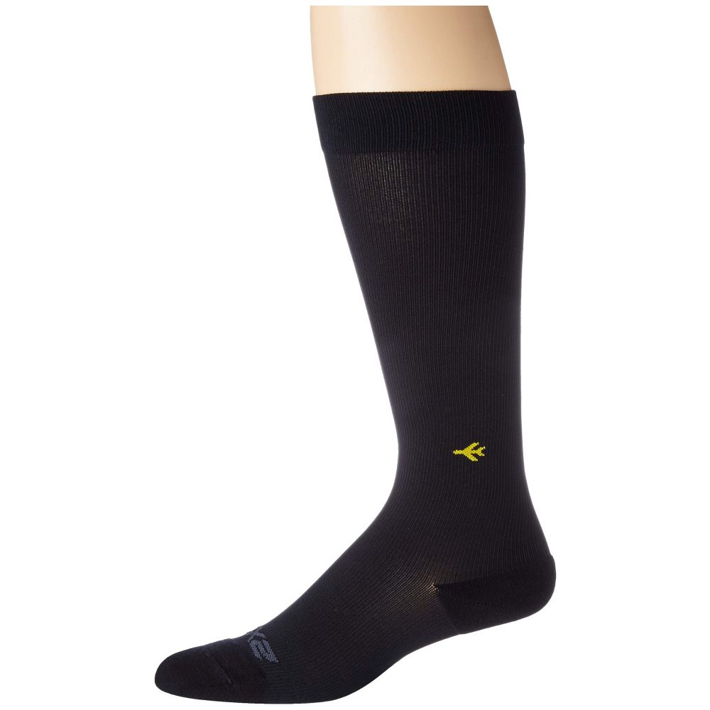 ツータイムズユー 2XU レディース ソックス インナー・下着【Flight Compression Socks Ultra Light】Black/Black