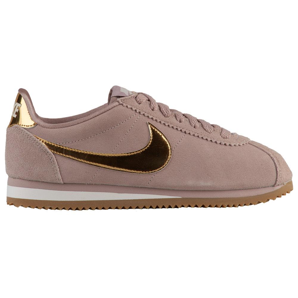 ナイキ Nike レディース ランニング・ウォーキング シューズ・靴【Classic Cortez】Taupe/Metallic Gold/Phantom/Gum Light Brown SE