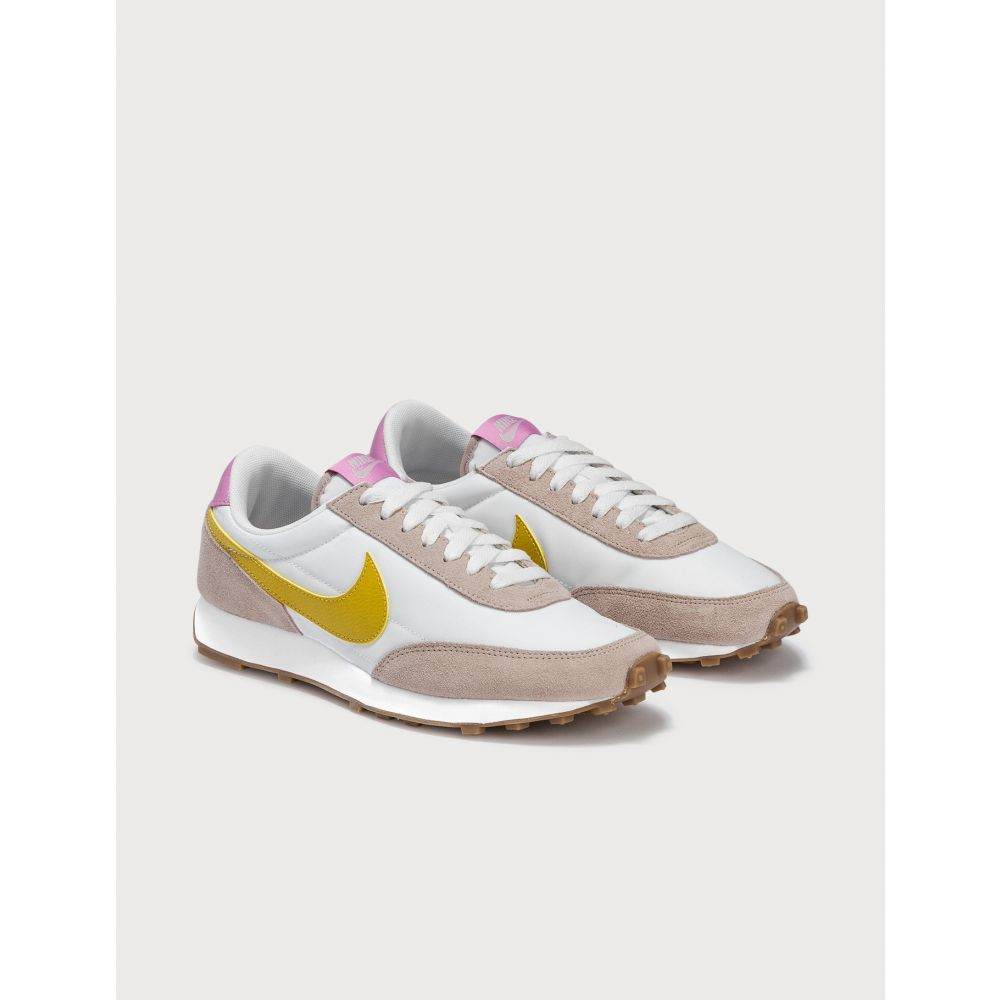 ナイキ Nike レディース スニーカー シューズ・靴【Daybreak】Fossil Stone/Saffron Quartz/Summit White