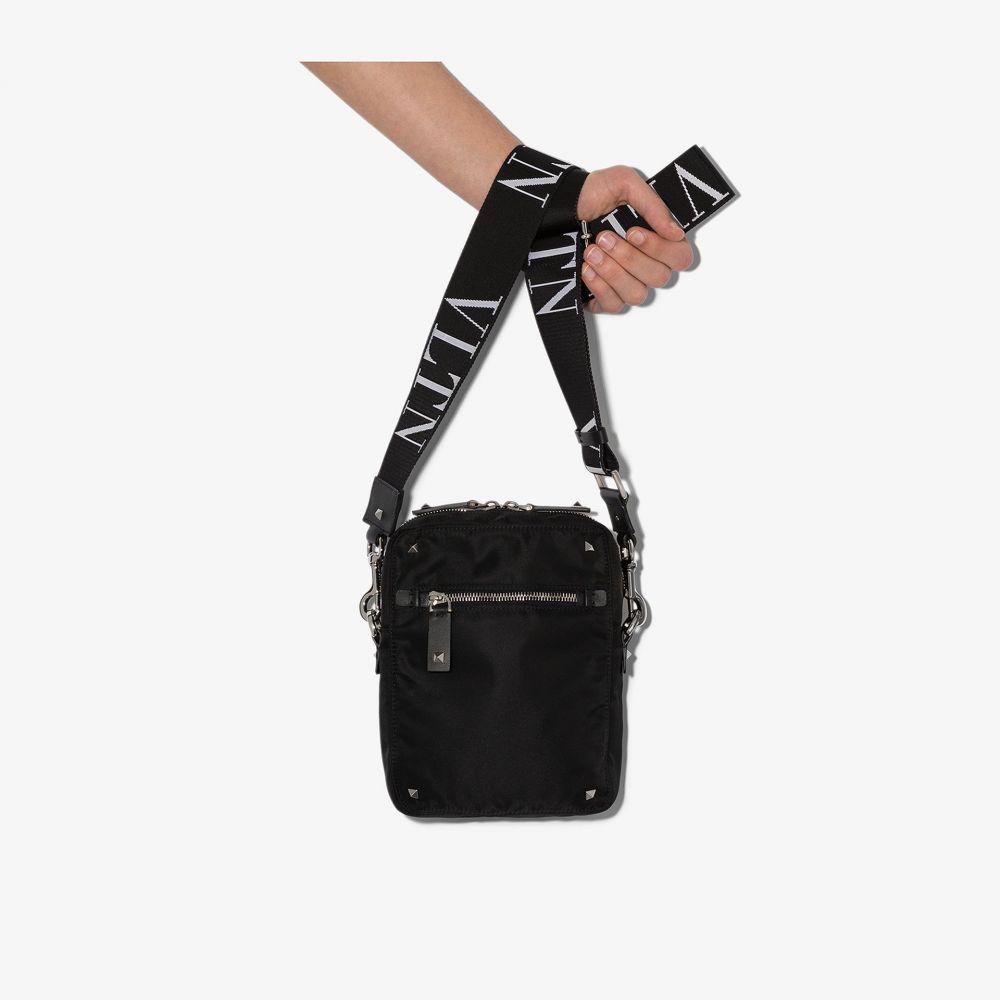 ヴァレンティノ Valentino メンズ ショルダーバッグ バッグ【black Garavani Rockstud Cross Body Bag】black