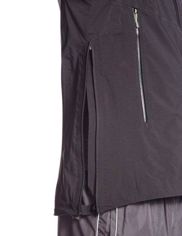 L38318300 X ALP 3L JKT M BLACK (SAM10358731)