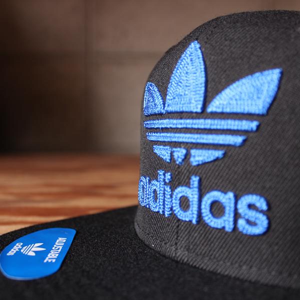 CH7297 Mens Adidas Originals Trefoil Chain Snapback Hat Black Blue