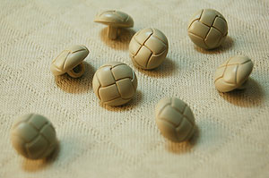 Leather-like crochet buttons 13 mm width