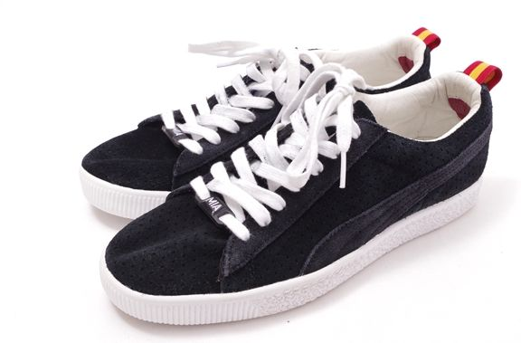 new product 513fb 36017 PUMA Puma X UNDEFEATED CLYDE Clyde suede cloth sneakers