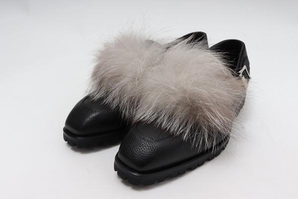 Rupert Sandersonルパートサンダーソン L'Appartement購入Loafers with FoxFurフォックスファーローファー未使用品【LFWA56985】【黒】【37】【未使用】【2点以上同時購入で送料無料】【DM190817】
