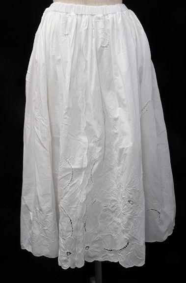 【4月18日に値下げ】【4月11日に値下げ】PLACE NATIONALE 2016SS レーススカート【LSKA50391】【白】【1】【中古】【2点以上同時購入で送料無料】【DM181010】