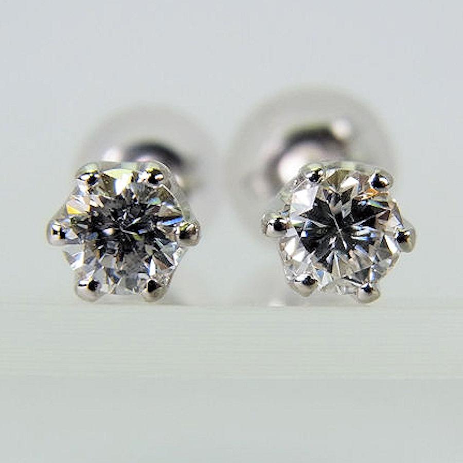 【新品】K18WG ダイヤモンド ピアス 0.180ct 0.183ct[y11-7]