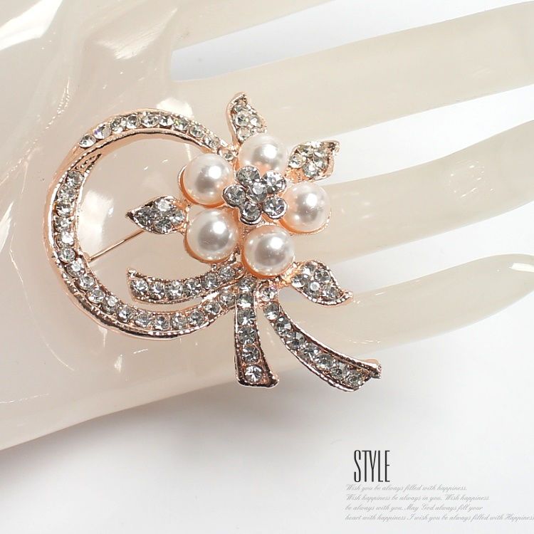 87dc7a2616181 ブローチ結婚式お呼ばれパーティーパールフラワーラインストーンローチピンバッチパーティーアクセサリープレゼント女性ギフト