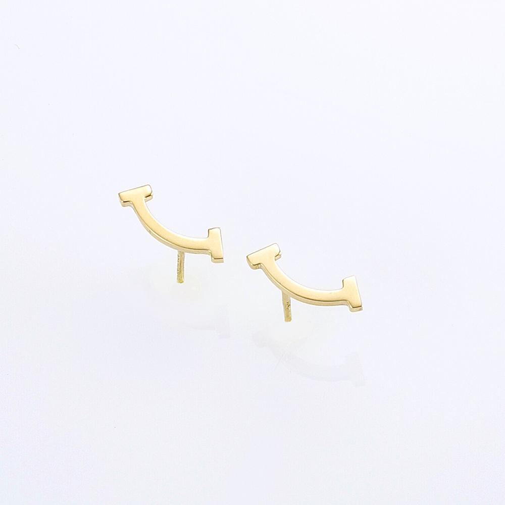 【5月4日-7日★ポイント5倍】ティファニー【Tiffany & Co.】ピアス 36667273/18K Tスマイル  ギフトラッピング無料 ラッキーシール対応