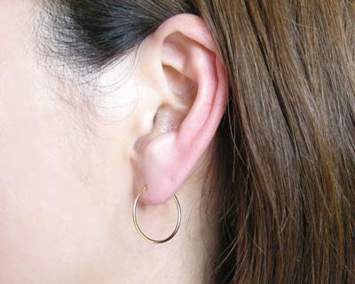 K18 18 k 金耳環金管厚 1.0 毫米 x 20 毫米直徑無縫環是或環合併 ▼
