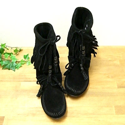 * * Minnetonka #1669 (Womens) * * Woodstock / ブラックスェード