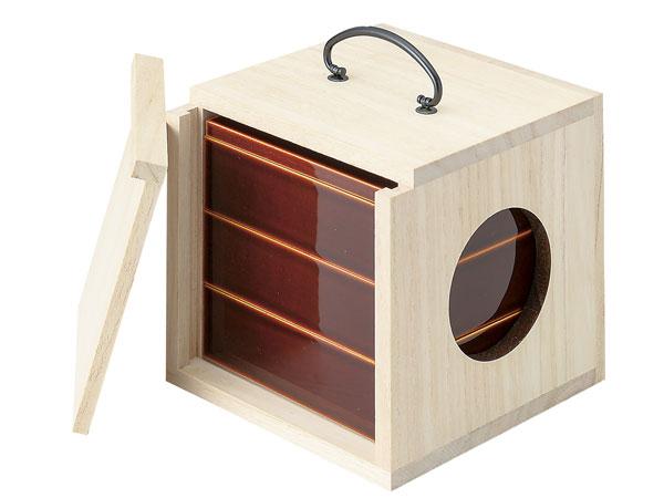遊山箱 春慶三段重 野外にも持ち出せる手提げ式弁当箱 インスタ映えお節