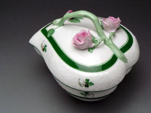 ヘレンド ウィーンのバラ【ヘレンド】VRHウィーンのバラ ハートボックス 6003【結婚祝】【出産祝】【退職祝】【引越祝】【還暦祝】【記念品】