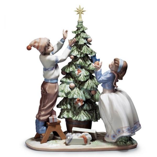 リヤドロ人形【リヤドロ】ツリーを飾ろう 5897【結婚祝】【出産祝】【退職祝】【引越祝】【還暦祝】【記念品】