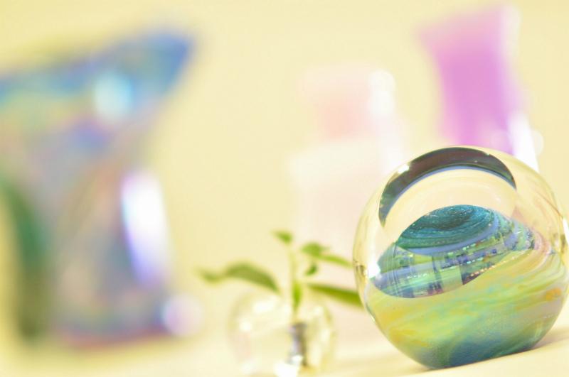 LEDインテリアライト【URANUS - 天王星 -】天体シリーズフロアライト 間接照明-グラス・アイ・スタジオ【結婚祝】【出産祝】【退職祝】【引越祝】【還暦祝】【記念品】