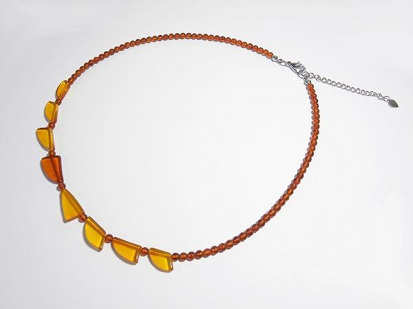 ロシア産 コニャック色の琥珀ネックレス amber-neck-c