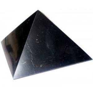 シュンガイトのピラミッド型オブジェ 10cm[シュンガイト/浄化/フラーレン/パワーストーン/天然石/シュンガイト/シュンガ石/パワーストーン]