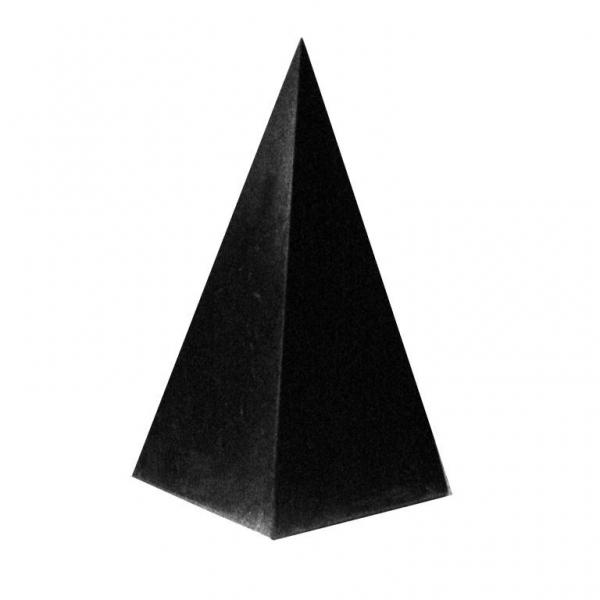 シュンガイトのトールピラミッド型オブジェ 7cm[シュンガイト/浄化/フラーレン/パワーストーン/天然石/シュンガイト/シュンガ石/パワーストーン]