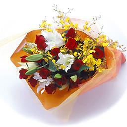 豪華なユリとバラの花束