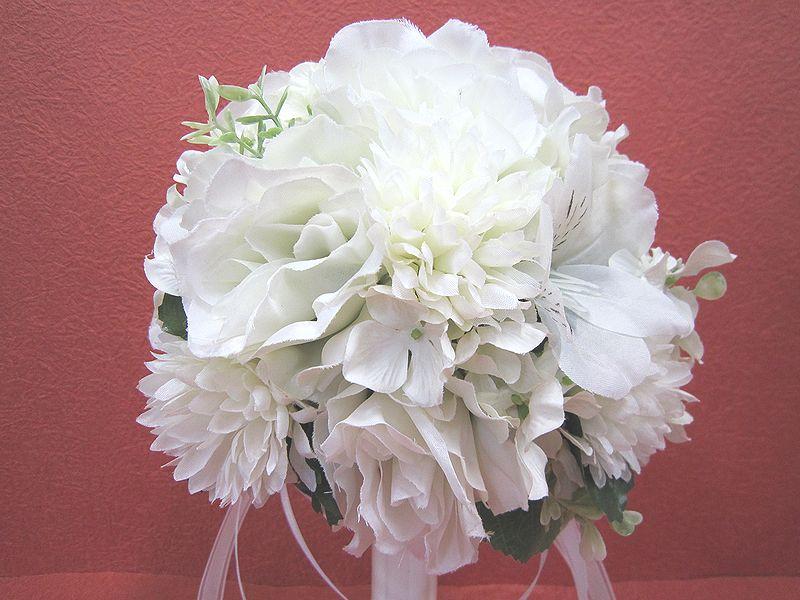 ブートニアも無料でお付けいたします 造花で作るウェディングブーケ 永遠に思い出を残しませんか ウェディングブーケ ホワイト227 結婚式 超人気 専門店 二次会 トスブーケ ウェディング 激安 ブライダル ブーケ ブートニア