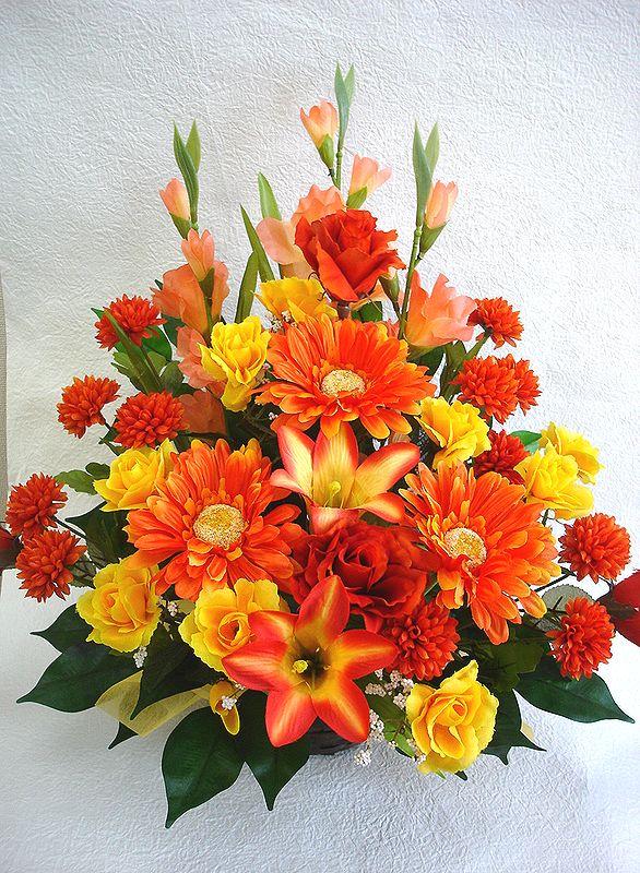 でました 造花でこんなに豪華なアレンジメント お花 お買得 器をおまかせしていただいて その分 ボリュームアップ 素敵な造花アレンジメントはいかがでしょう 造花 ボリューム満点 デザイナーおまかせアレンジメントH45 オレンジ 楽ギフ_メッセ入力 花 送迎 歓迎 フラワーギフト 年末年始大決算 結婚祝い インテリア 記念日 No.3 お祝い 母の日 還暦 退職祝い アレンジメント 誕生日