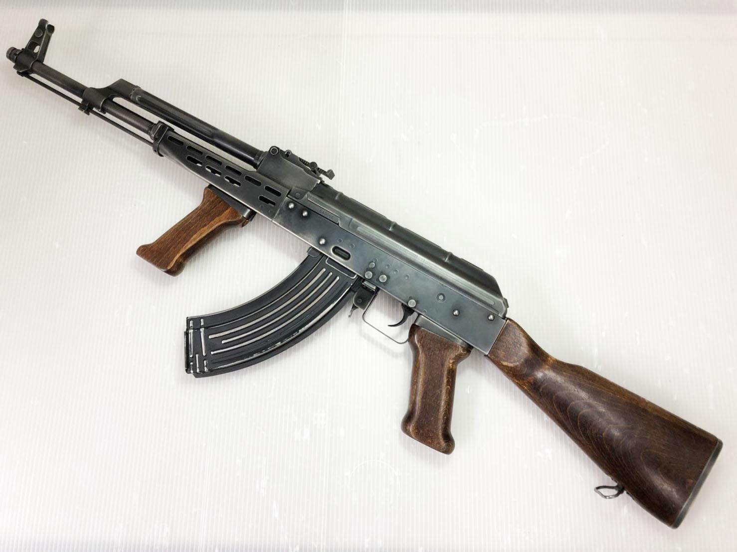 【中古】LCT AKM-63 ウェザリング&内部調整品 (lct-lckm63) エアガン 18歳以上