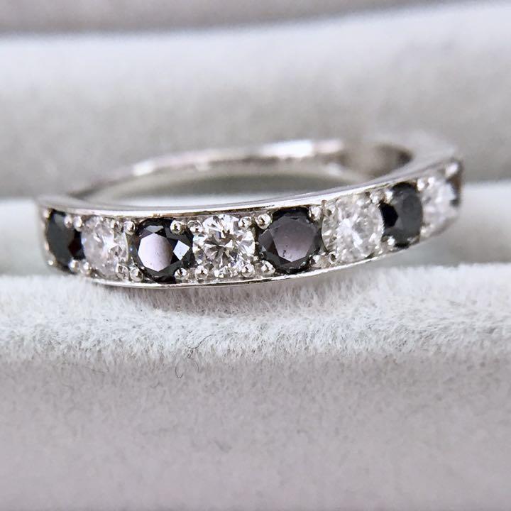 【鑑別書付】0.7ct ブラック ダイヤモンド & ダイヤモンド Pt950 一文字 リング 指輪 4月誕生石