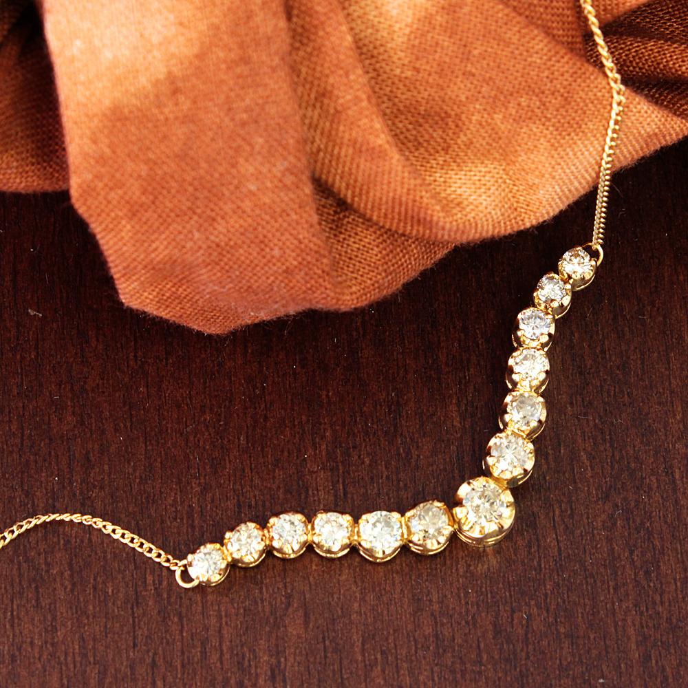 【鑑別書付】 1ct K18 ダイヤモンドグラデーション V字 ネックレス ペンダント 4月誕生石 【コンビニ受取対応商品】