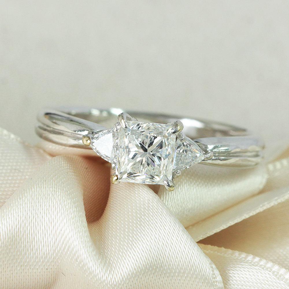 【鑑定書付】1ct G VS-2 プリンセスカット ダイヤモンド Pt900プラチナ リング 指輪 4月誕生石// 【コンビニ受取対応商品】