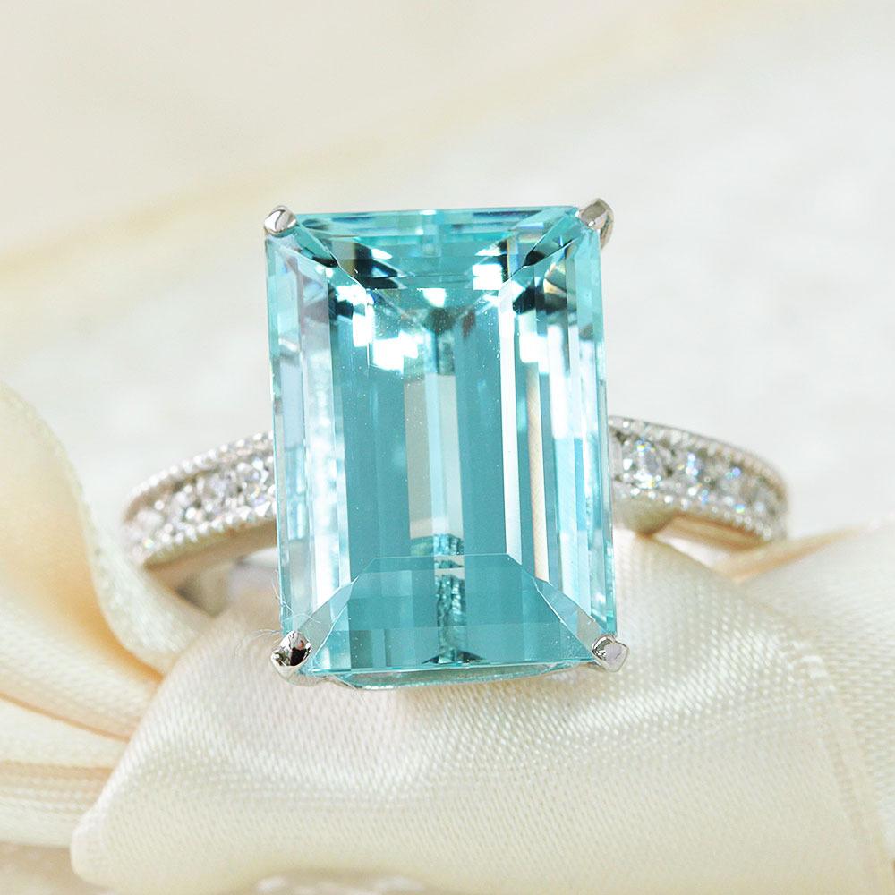 【鑑別書付】8.9ct アクアマリン 0.2ct ダイヤモンド Pt900 プラチナ リング 指輪 3月誕生石 【コンビニ受取対応商品】