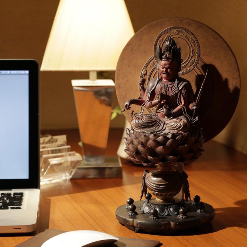 仏像 フィギュア 愛染明王 あいぜんみょうおう 高さ30.5cm インテリア 雑貨 置物 精巧 Isumu (イスム) スタンダード
