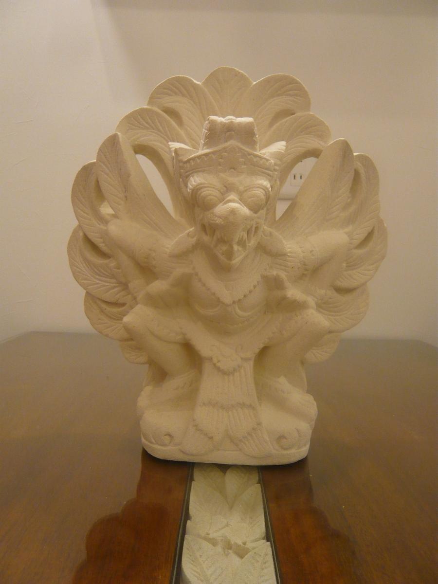 オブジェ ストーンオブジェ ガルーダ 救済の神様 ヴィシュヌの乗り物  石彫り 石像   パラス石 アジアン雑貨 アジアンインテリア