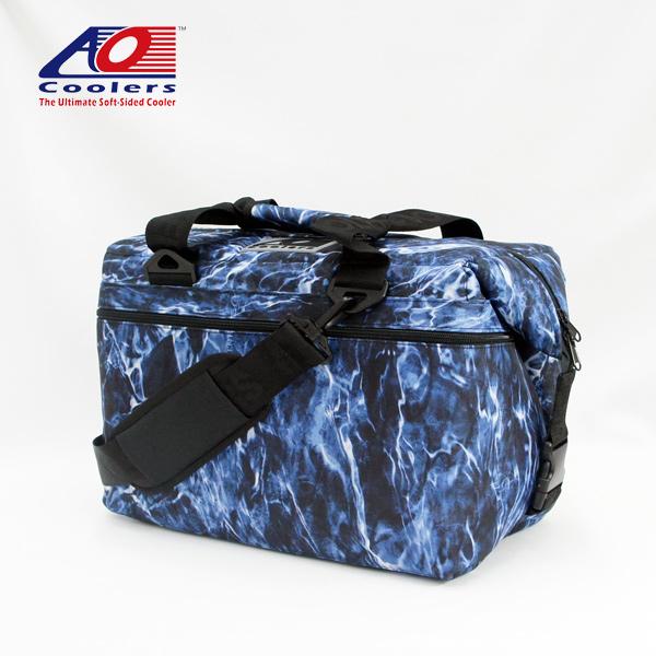 AO Coolers / 24パック キャンバス ソフトクーラー (MOSSY OAK BLUEFIN) (エーオークーラー) (AOELBF24) アウトドア フィッシング