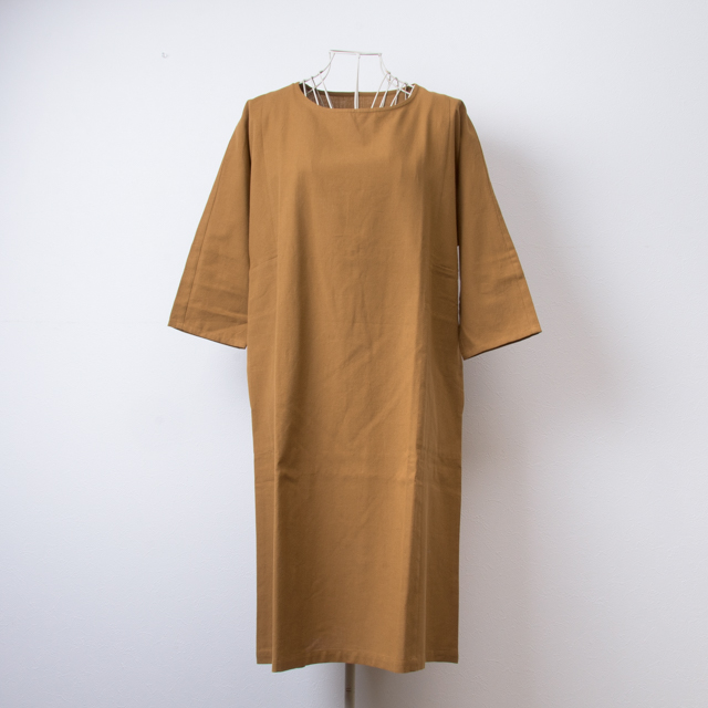 うなぎの寝床 久留米絣のワンピース 無地 ベージュ 洋服