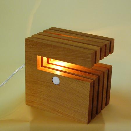木製照明/フレイムス/テーブルスタンド/L-WICH/ナチュラル/DS-018N/形の自在な積み木のような照明器具です。/インテリア照明のフレッヒダックス